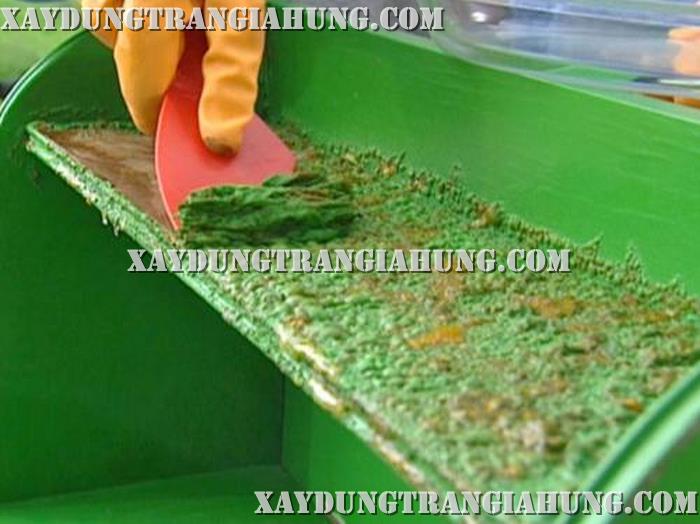 Thi công tẩy sơn dầu trên sắt