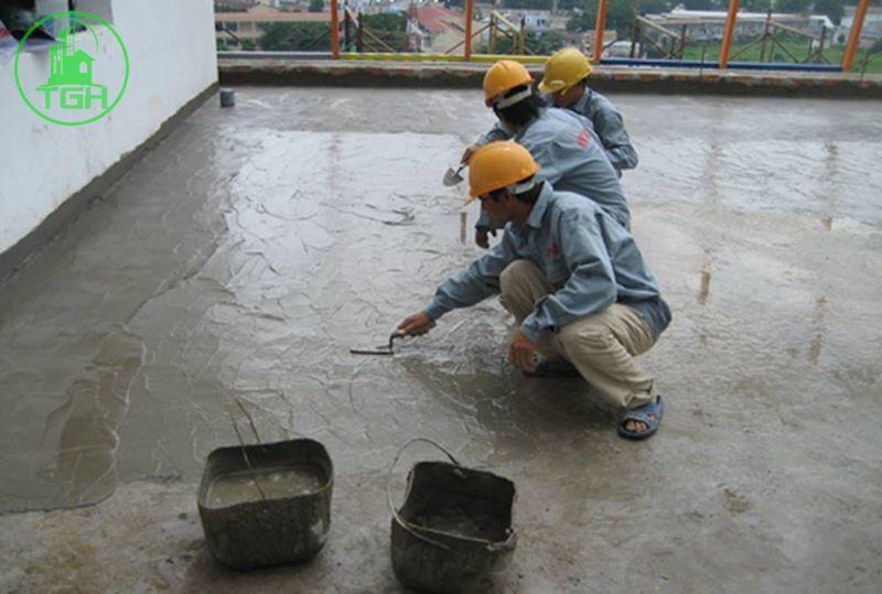 phủ xi măng tinh để chống thấm sân thượng